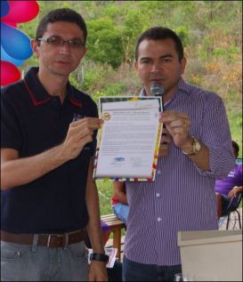Secretário de Educação Francisco Custódio e prefeito Vadilson Dias