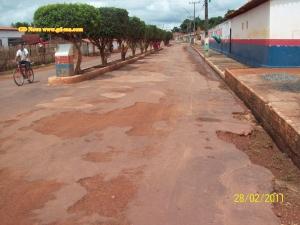 Rua que dar acesso ao Balneário da cidade (clique na imagem para ampliar)