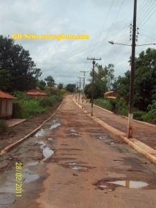 Avenida Francisco Dias Filho, será nesta estreita passagem que farão uma 'praça' (clique na imagem para ampliar)